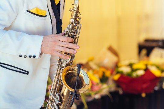 Saksofonista na wesele