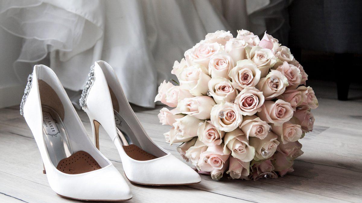 Idealna stylizacja na wesele – jakie dodatki wybrac